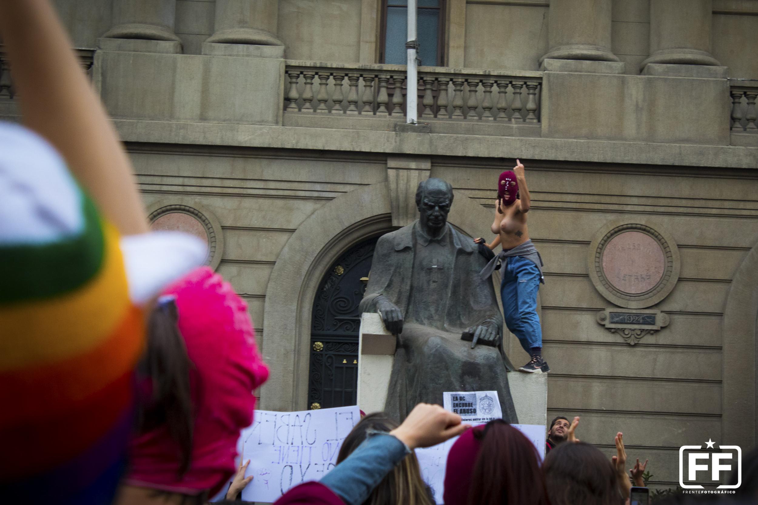 Aureolas Gigantes disparos feministas: cuerpos tan vivos y tan políticos, mayo